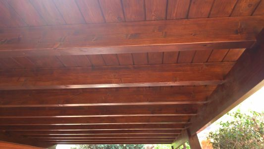 Barniz protector de madera natural