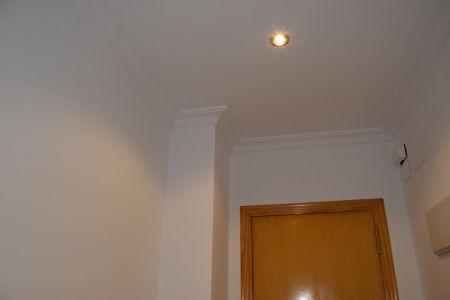 Detalles de calidades en molduras, paredes y techo