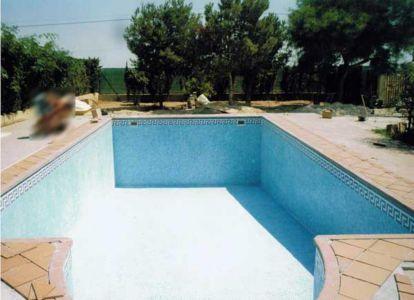 Construcción de piscina con gresite