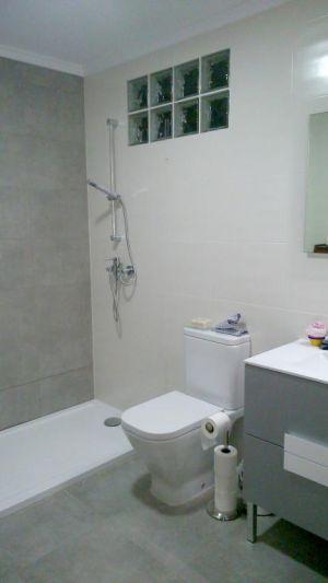 Baño completo gris