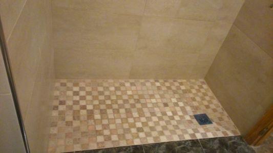 Plato de ducha de obra estilo rústico