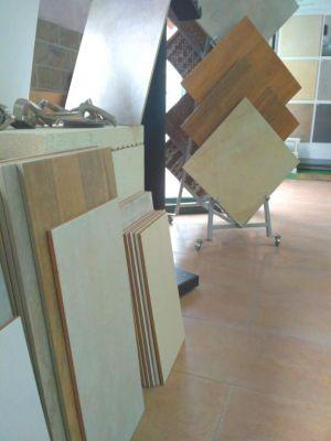 Exposición oficina Construcciones Mané