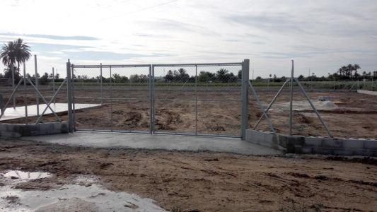 Puertas abatibles para terreno